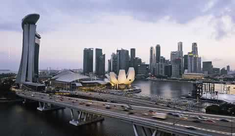 Singapore landmarks - Marina Bays Hotel, ArtScience Museum, Merlion, Business district, Helix Bridge