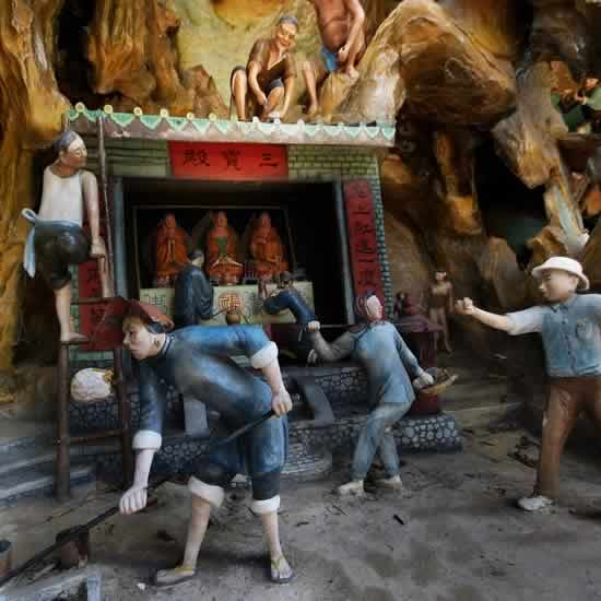 Haw Par Villa Has Statues From Buddhist And Chinese Mythology